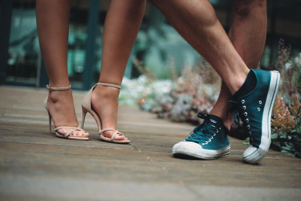 Damske a panske nohy